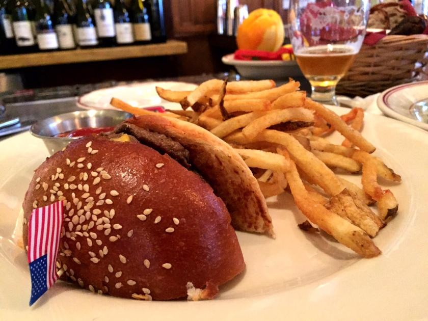 Had dinner at Le Diplomate  mid-week -- mmm burger...