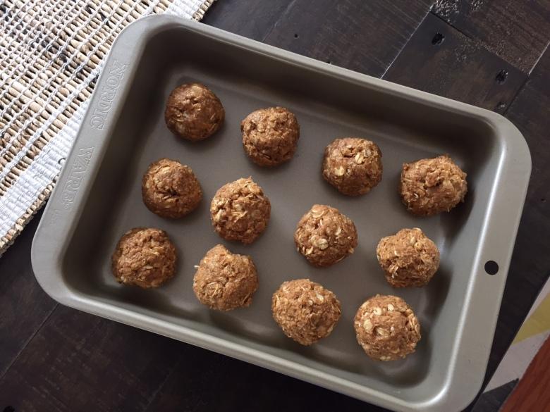 No-bake PB balls: roll into balls. Then eat.