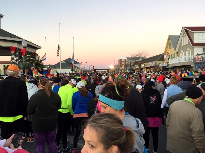 Runners hanging around near the start.
