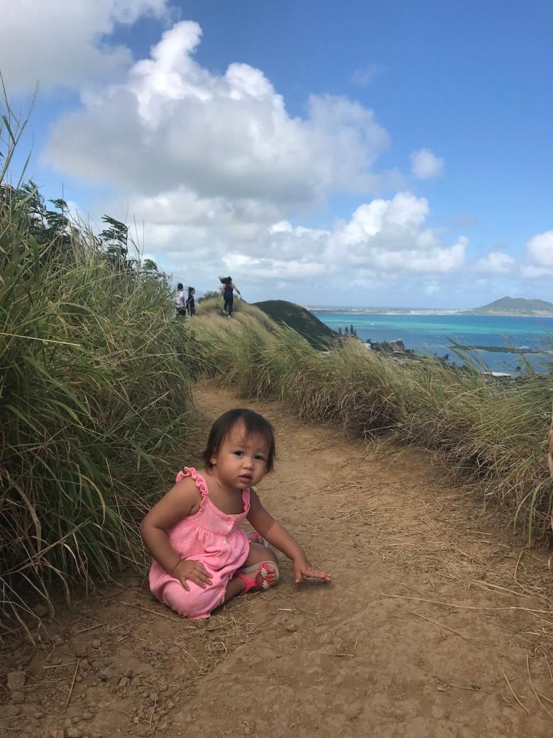 Sunny hiking in Oahu